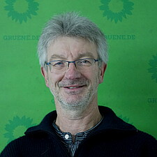 Herr Dr. Roland Leister